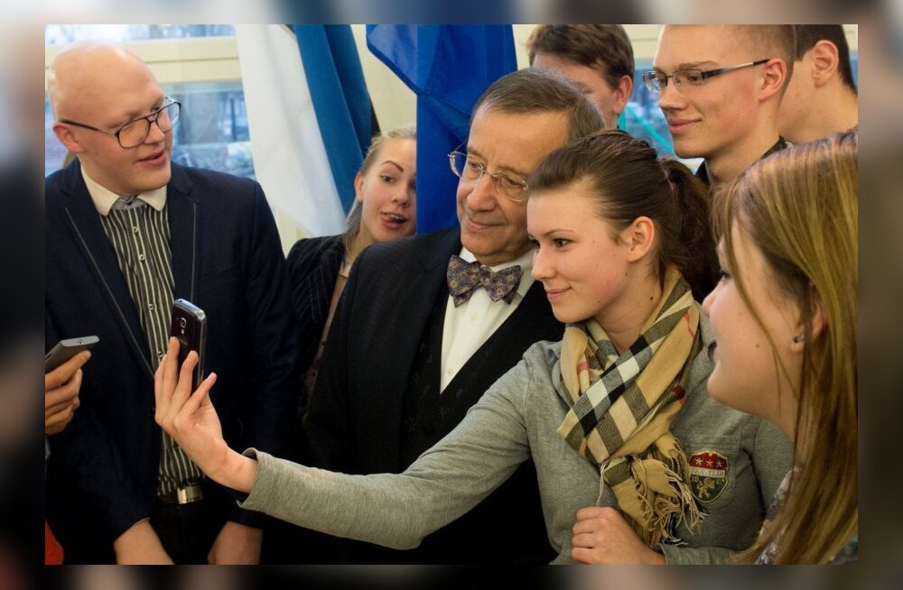 President TooPresident Toomas Hendrik Ilves Kesklinna vene gümnaasiumismas Hendrik Ilves Kesklinna vene gümnaasiumis