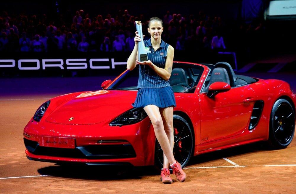 Karolina Pliskova sai lisaks korralikule auhinnarahale ka uhke sportauto.