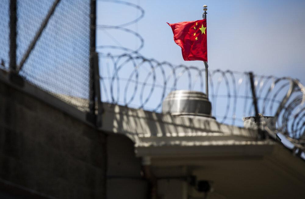 Hiina-USA vastasseis: vastastikku suletakse konsulaate, USA süüdistab Hiina kodanikke sõjaväetausta varjamises viisataotlustes