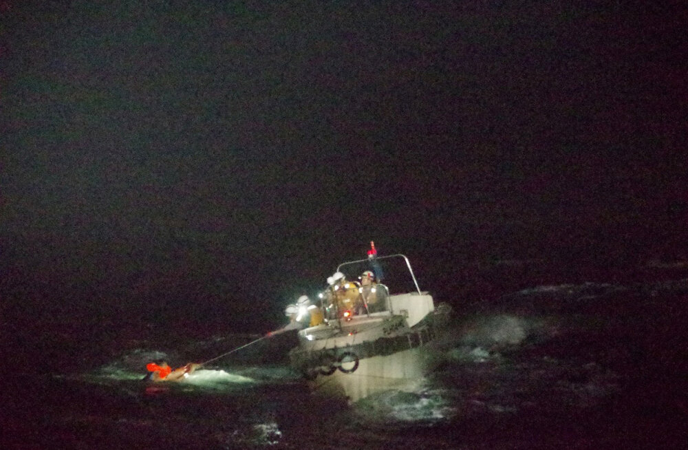 Jaapani lähistel jäi taifuunis kadunuks tuhandeid elusloomi vedanud laev