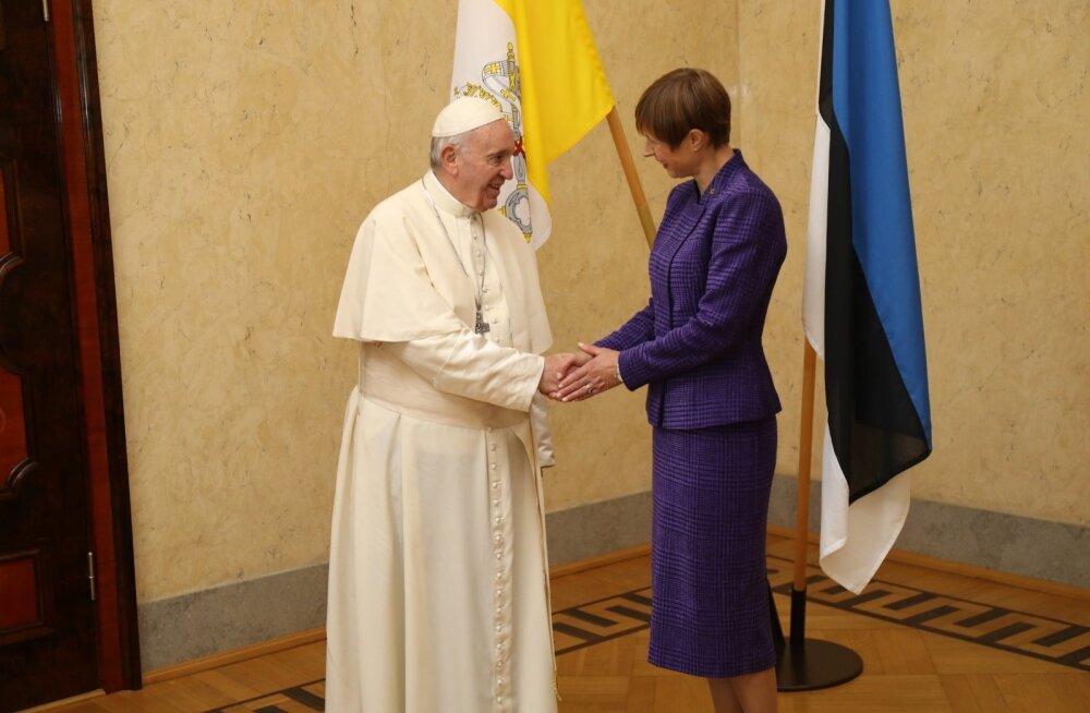 Paavst Franciscusest sai Eesti e-resident