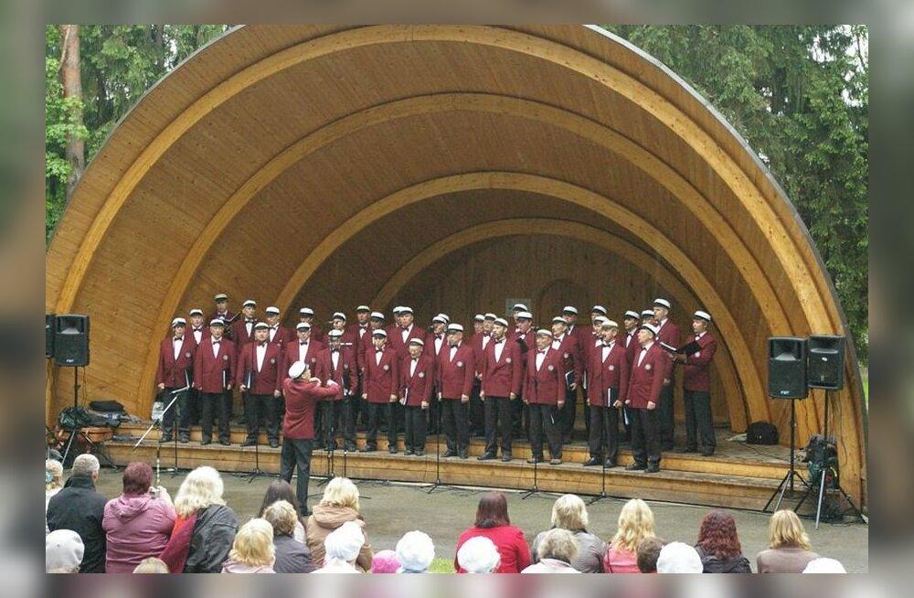 Haaslava meeskoor Haaslava 34. meestelaulupäeval Kurepalu lauluväljakul