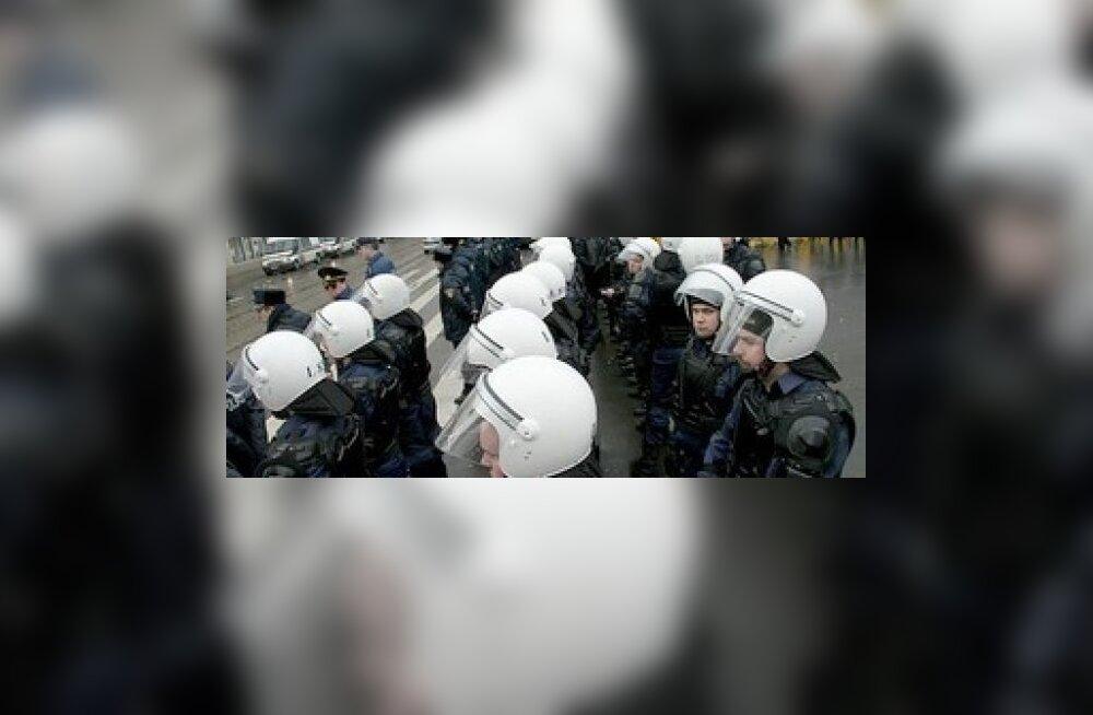 Riias on barrikaadid, kardetakse inimohvreid