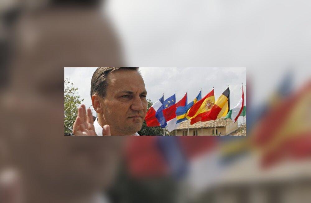 Poola püüab emissari abil Balti tuge oma NATO juhile