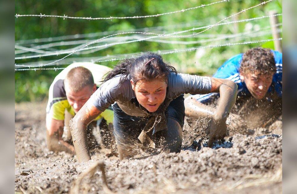 FOTOD: Kõva Mehe Jooksul tuli mudas roomata ja autorehvide vahel turnida