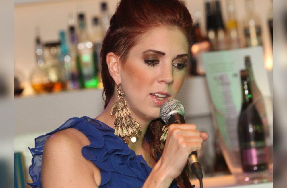 FOTOD: Laura Põldvere tegi Lounge Butterfly'is romantikat