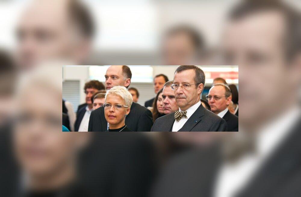 Evelin Ilves,  Toomas Hendrik Ilves