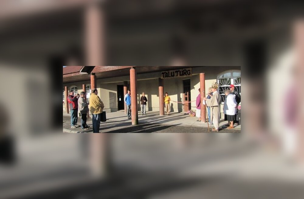 Maanaised avasid Väike-Maarjas turu
