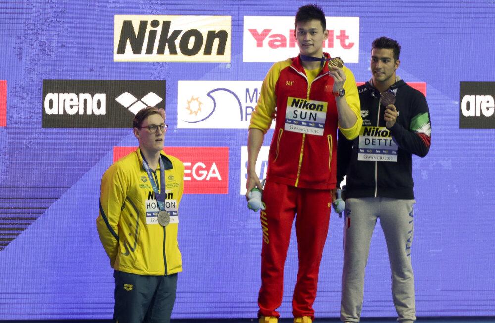 Skandaal ujumise MM-il: hõbeda võitnud austraallane keeldus kullamehega ühele pildile tulemast