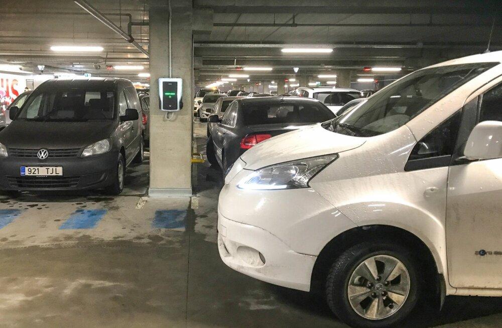 Eksperiment: kas uues T1 Mall of Tallinn kaubanduskeskuses saab elektriautot laadida?