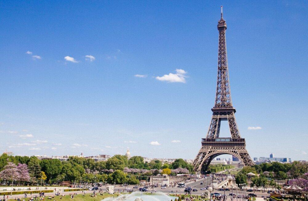 Франция возвращается к нормальной жизни: 25 июня для туристов открывается Эйфелева башня