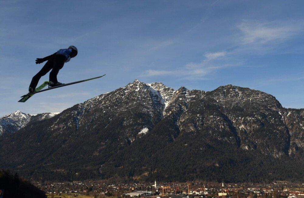 Nelja hüppemäe turnee: Artti Aigro jäi taas lõppvõistluselt eemale