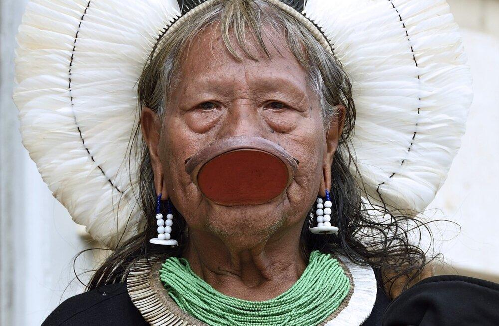 Amazonase hõimupealiku appihüüd: valge mees hävitab kõik!