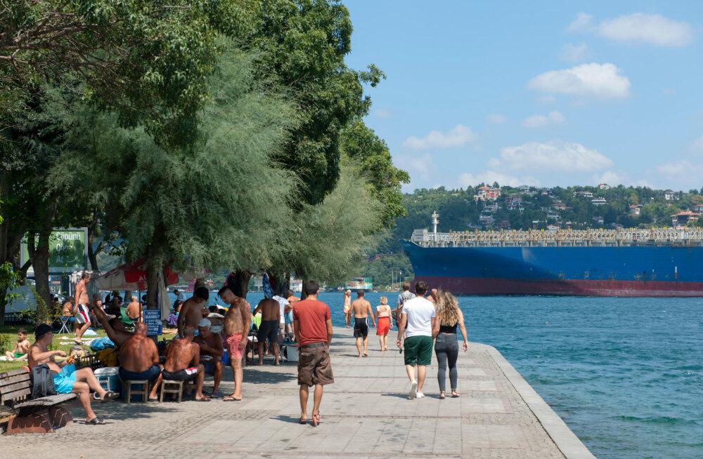 Põhjus, miks Türgi rannikuveed nii ebaloomulikult siniselt sillerdavad