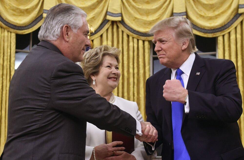 Tillerson ja Trump mullu
