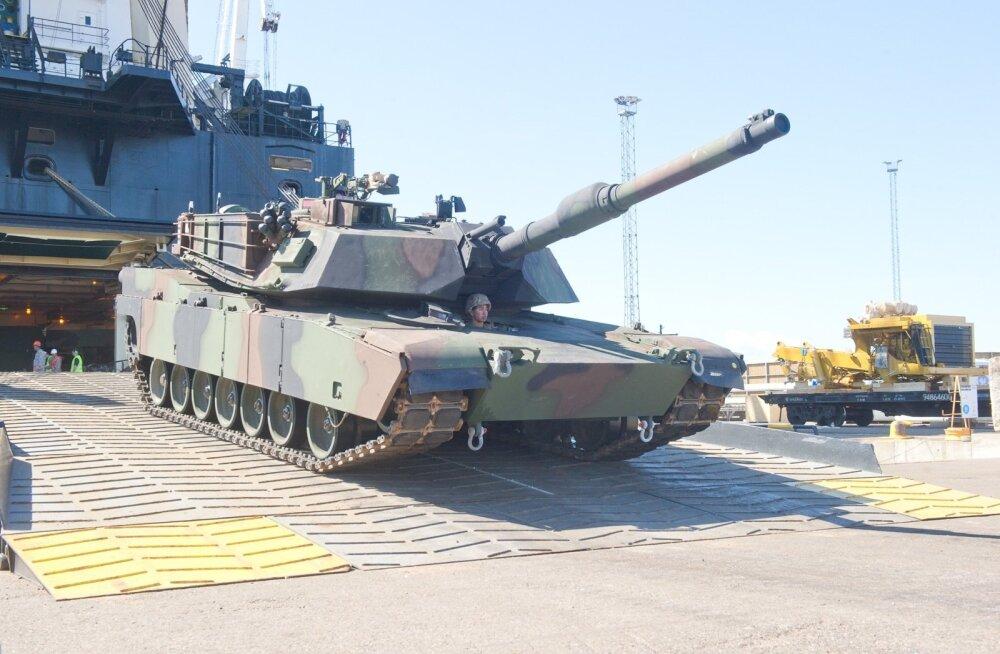 M1A2 Abrams tank Paldiski sadamas.