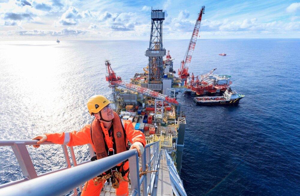 Šotimaa rannikust põhjapoole jääv nafta puurtorn