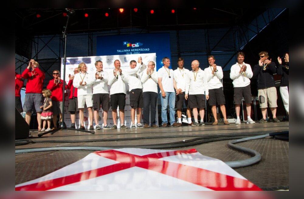 FOTOD: 55. Muhu Väina regati lõpetamisel pärjati Eesti meistrid avamerepurjetamises
