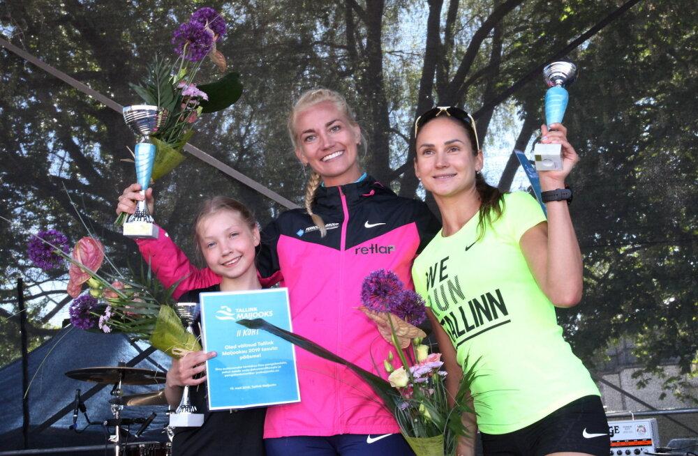 Tallink Maijooks esikolmik 2018 vasakult: Luna-Aleksandra Lagoda, Liina Tšernov, Kaisa Kukk