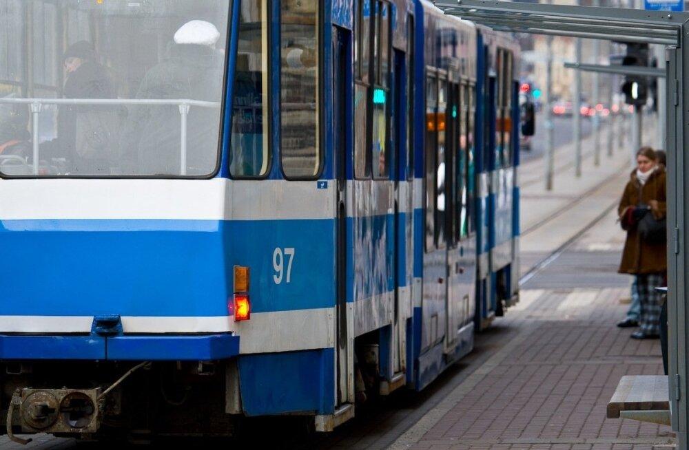 Ирландская полиция задержала мастурбировавшего на трамвайной остановке эстонца