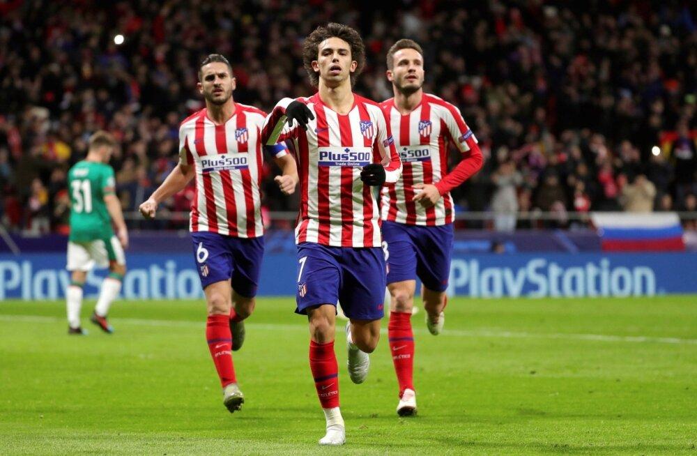 Madridi Atletico noor täht Joao Felix tähistamas Moskva Lokomotivi vastu realiseeritud penaltit.