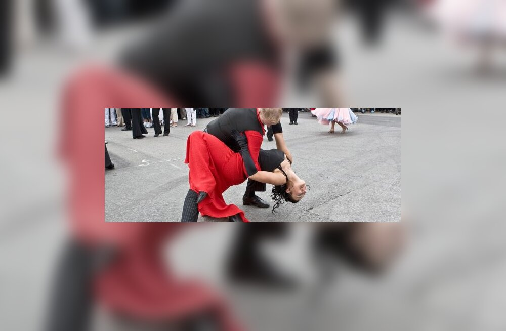 Raport: Tantsides õnneni