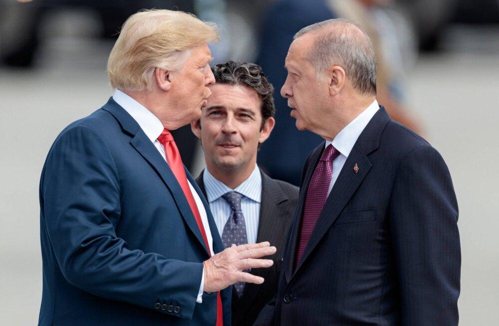 Trump ergutas Erdogani: alista terrorism!