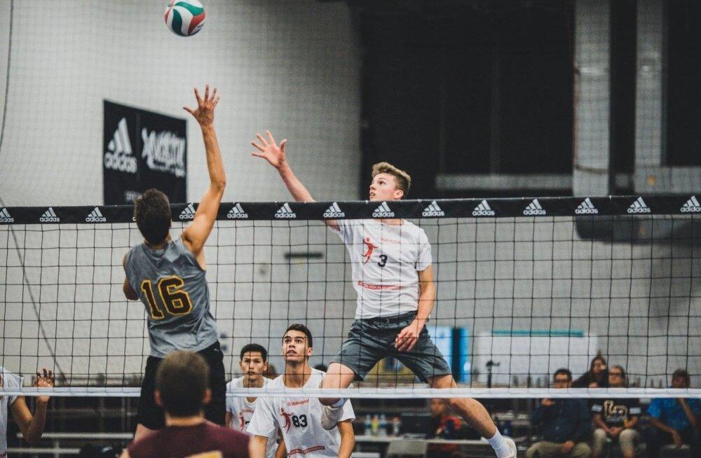 18-aastane Eesti noormees tahab olümpiamängudeks pääseda USA võrkpallikoondisse