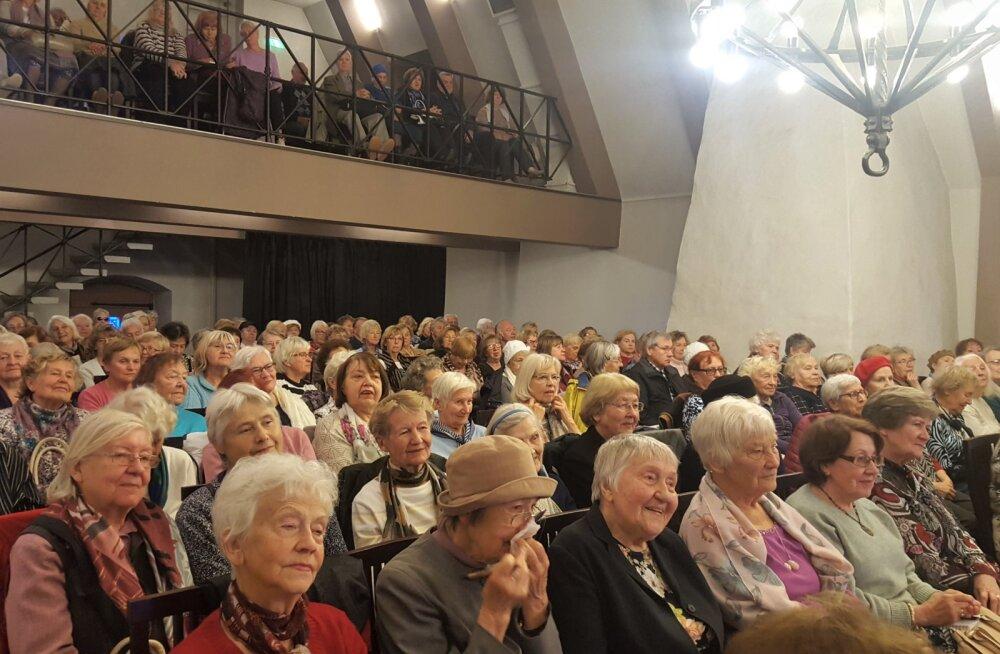 Еще не поздно: в Университет для старшего поколения пришли сотни русских слушателей