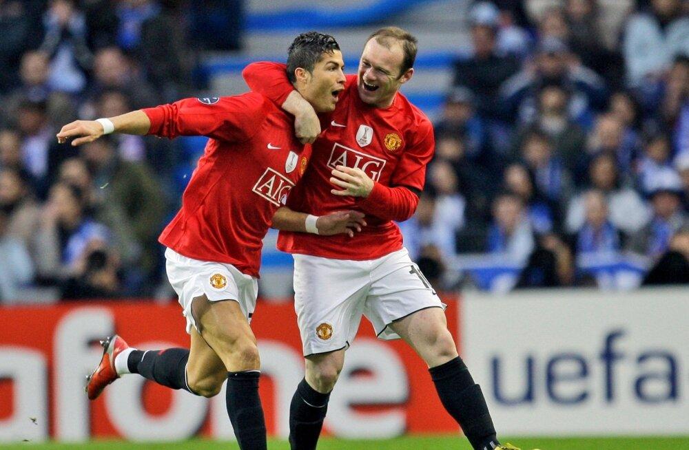 Cristiano Ronaldo ja Wayne Rooney koos Manchester Unitedi ridades väravat tähistamas.