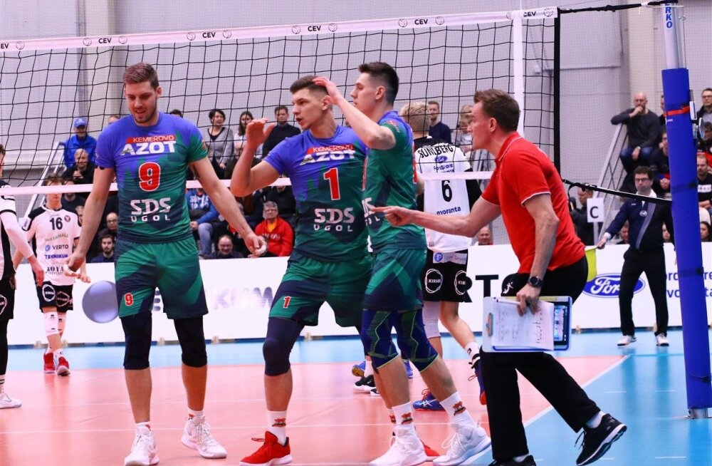 Kemerovo Kuzbass, vasakpoolseim on Eestis tipptasemel võrkpalluriks sirgunud Dmitro Pašitskii.