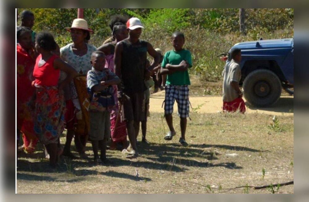 Rahvahulk lintšis Madagaskaril kaks Euroopa turisti