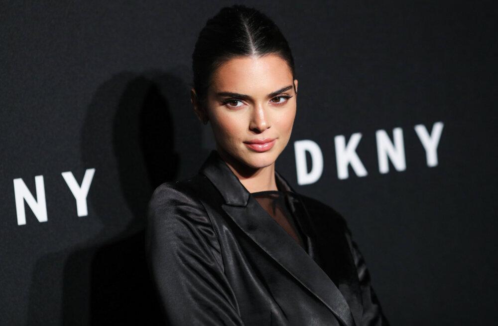 KLÕPS   Päris kõik küll kaetud pole! Kendall Jenner kütab kirgi läbipaistvas pesus