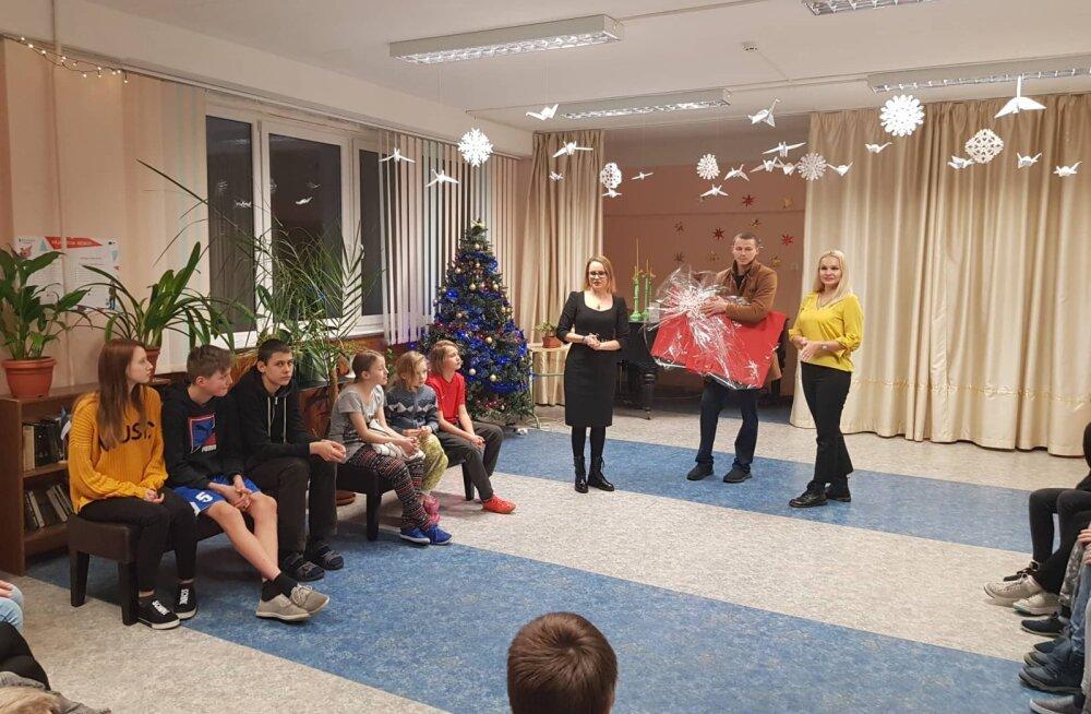 Ласнамяэский ресторан сделал рождественский подарок детям из районного детского центра