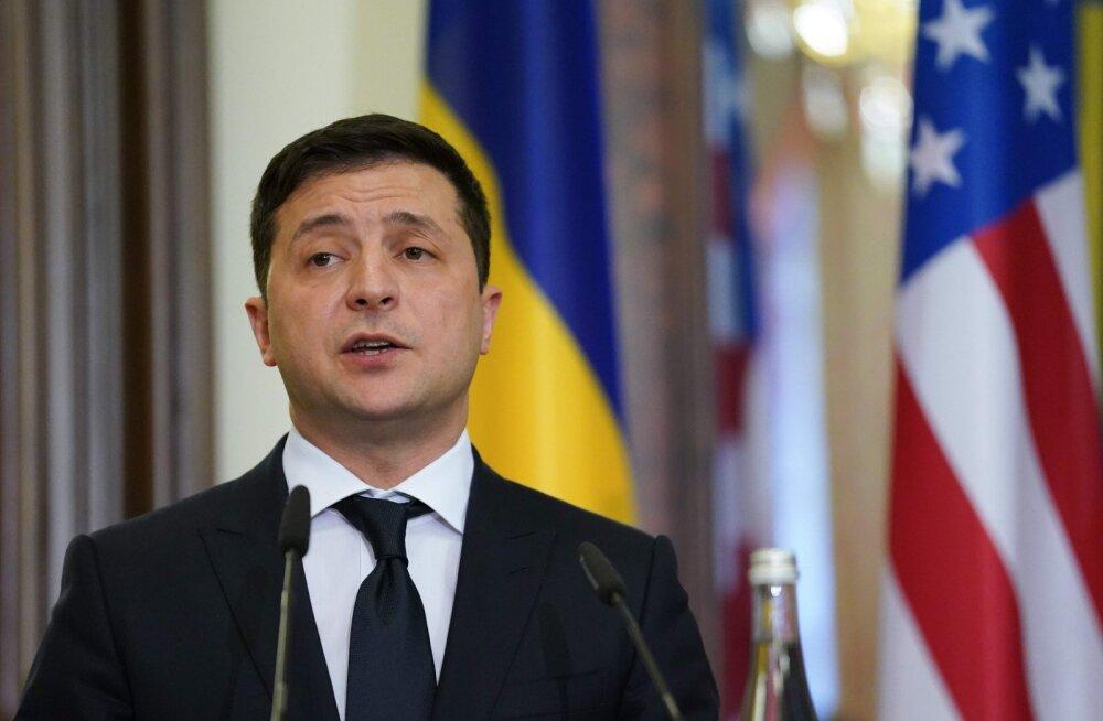 Зеленский заявил о желании провести выборы в Крыму и Донбассе