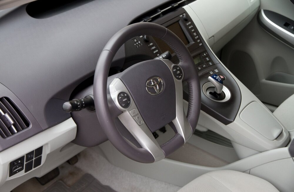 Toyota и Nissan отзовут 6 млн машин из-за дефекта подушек безопасности