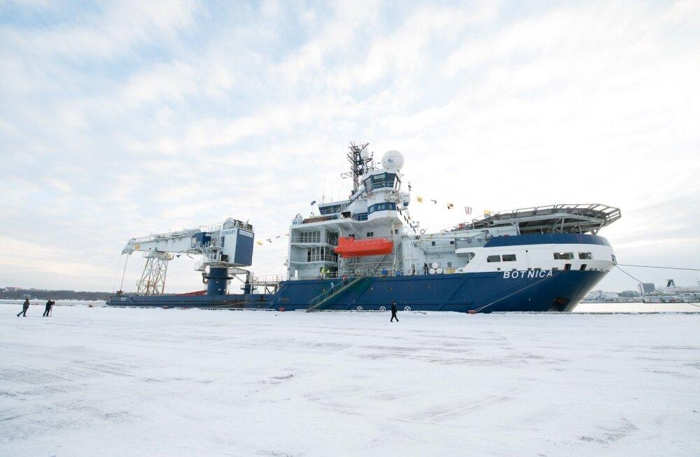 1998. aastal valminud jäälõhkuja Botnica soetati 2012. aasta lõpus 50 miljoni euro eest.