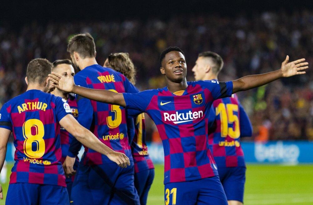 Hispaania jalgpallikoondis loodab 16-aastast Barcelona imelast enda ridadesse saada