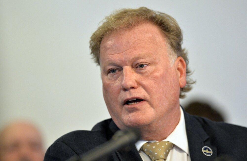USA Kentucky osariigi poliitik lasi end pärast teismelise tüdruku pilastamises süüdistamist maha