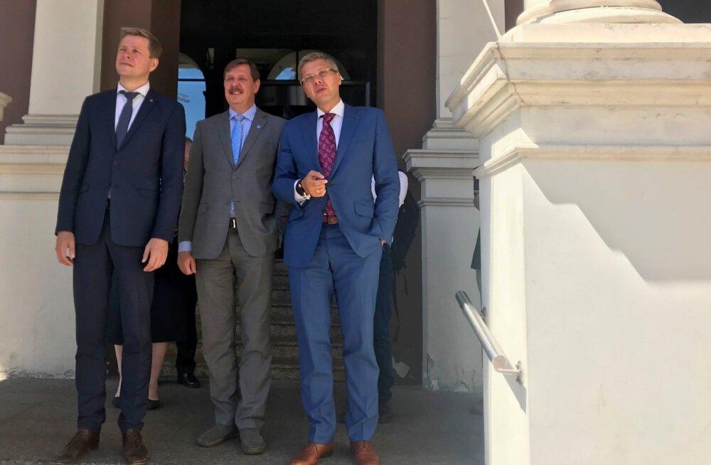 ФОТО: Мэры трех столиц отмечают 100-летие Латвийской Республики