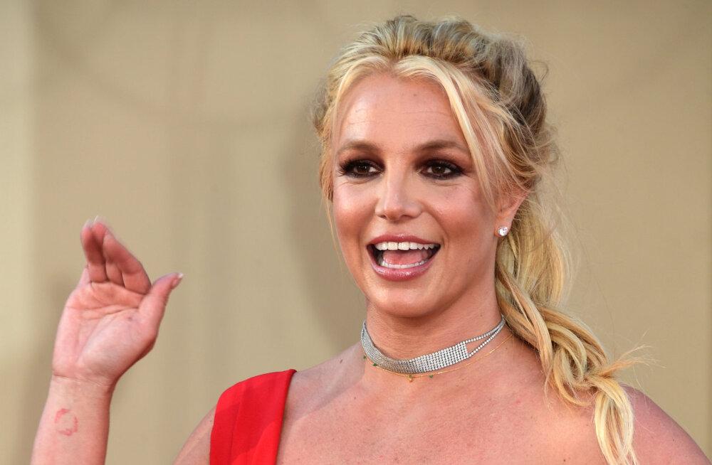 KLÕPS | Tundmatuseni muutunud Britney Spears on salaja juuksevärvi vahetanud