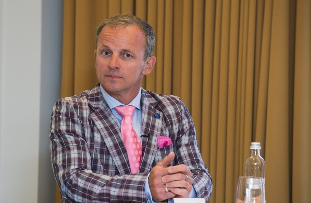 Krimelte suuromanik Jaan Puusaag eile Eesti aasta ettevõtjate ümarlauas.