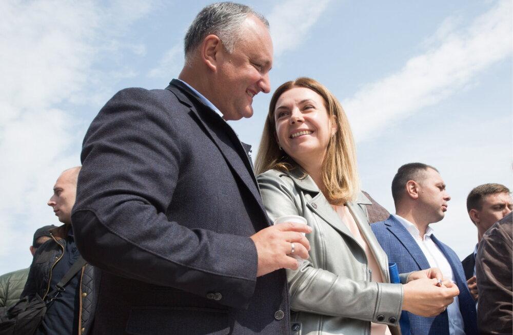 Moldova president Igor Dodon oma abikaasa Galinaga