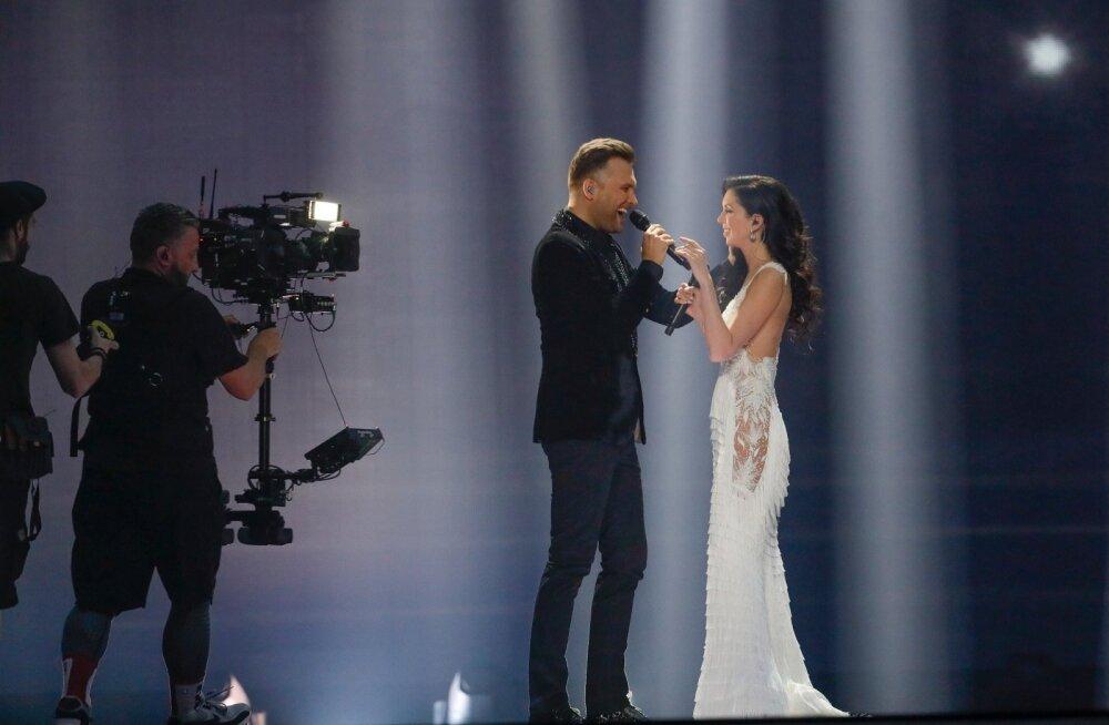 Ohoo! Ülle Pohjanheimo soovitab Laurale eurolavale hoopis teist kleiti! Kas nõustud moelooja arvamusega?
