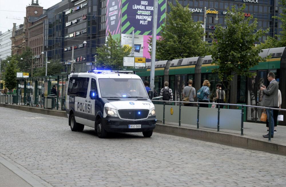 Helsingis pussitas kurjategija kaht täiskasvanut ja last