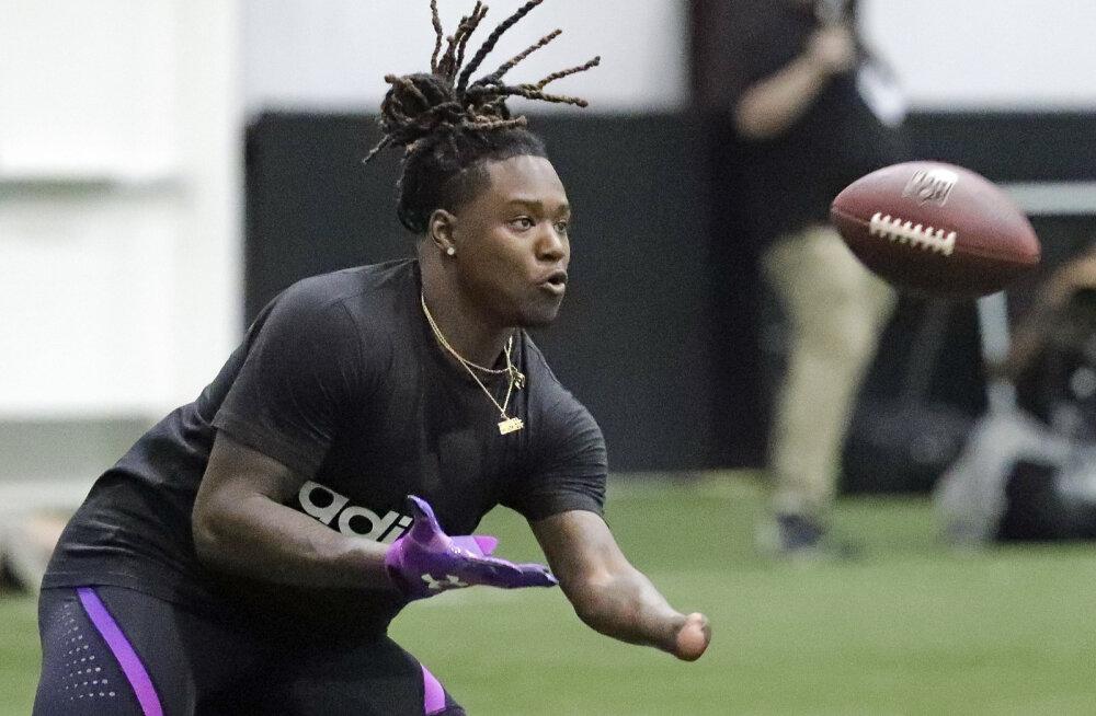 VIDEO | Südamlik lugu NFL-is: draftis osutus valituks ühe käelabaga mängija, kes hakkab pallima kaksikvennaga ühes tiimis