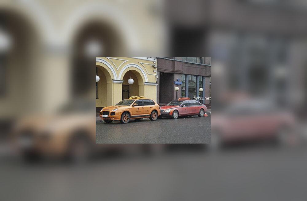 Porsche ja Maybach takso
