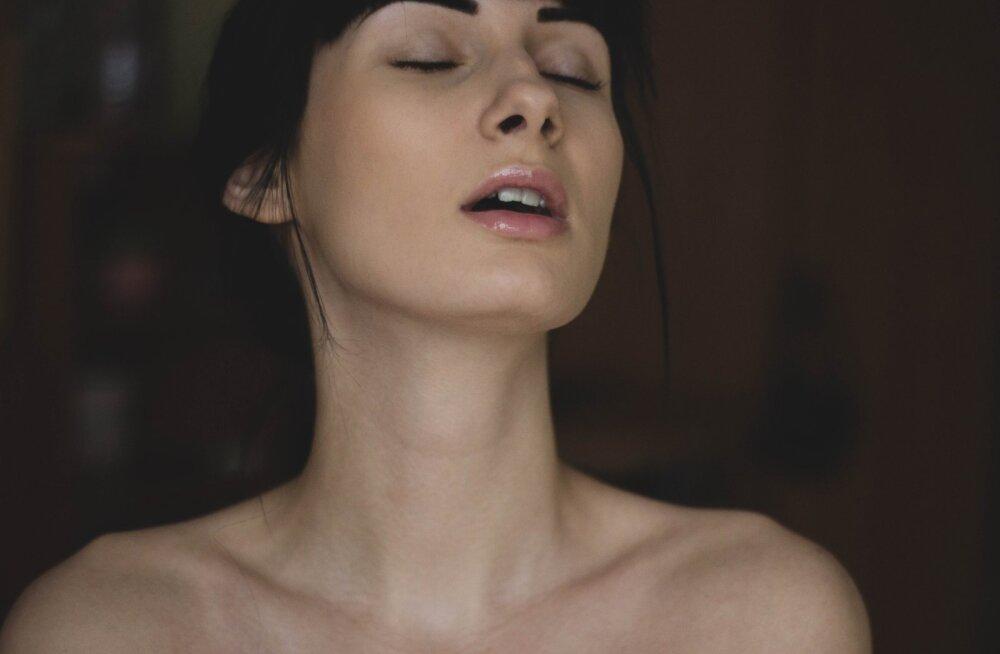 13 способов ощущать секс в своей жизни, даже если его нет