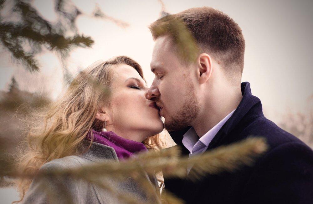 Kõik musitama: ühestainsast suudlusest võib saada vastused nii mõnelegi põletavale küsimusele