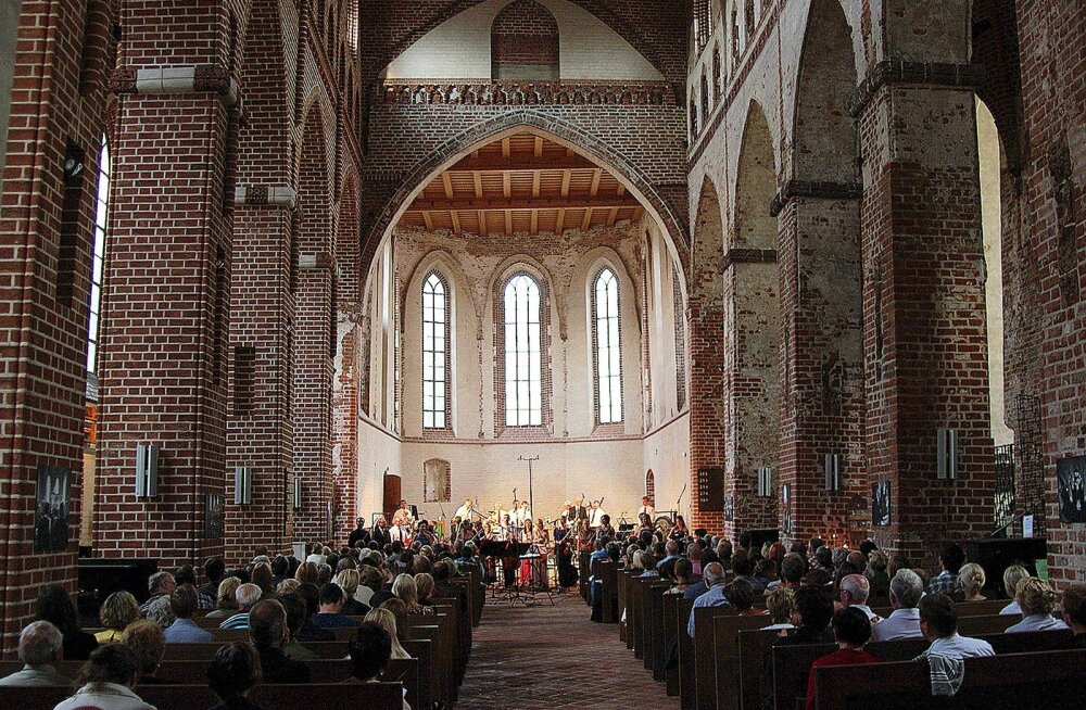 Klaaspärlimäng jätkab täna Carmina Burana ja veel kahe kontserdiga